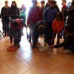 Niños jugando en la actividad en la Albufera de Ambientalys